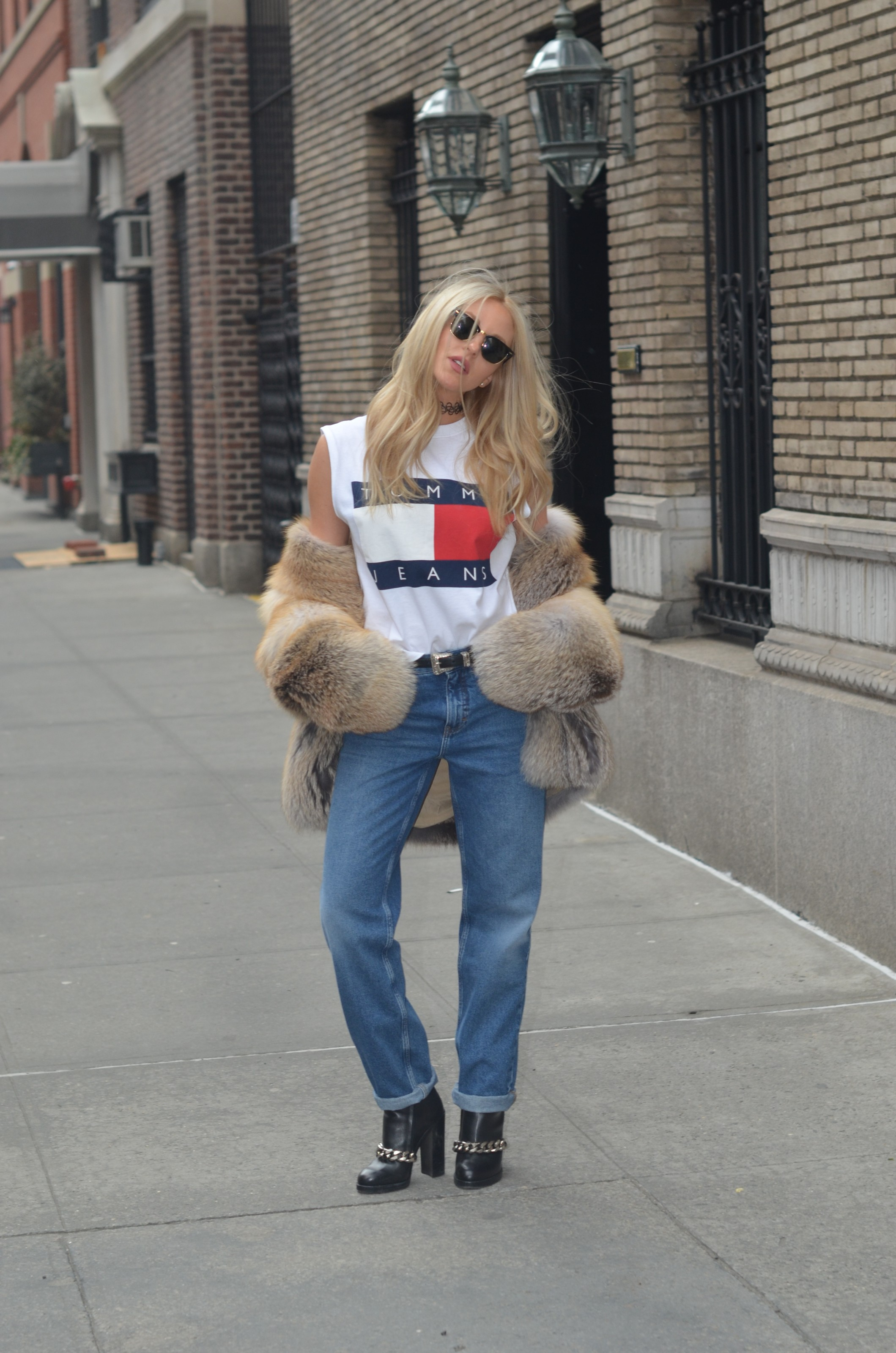 blonde street style at NYFW