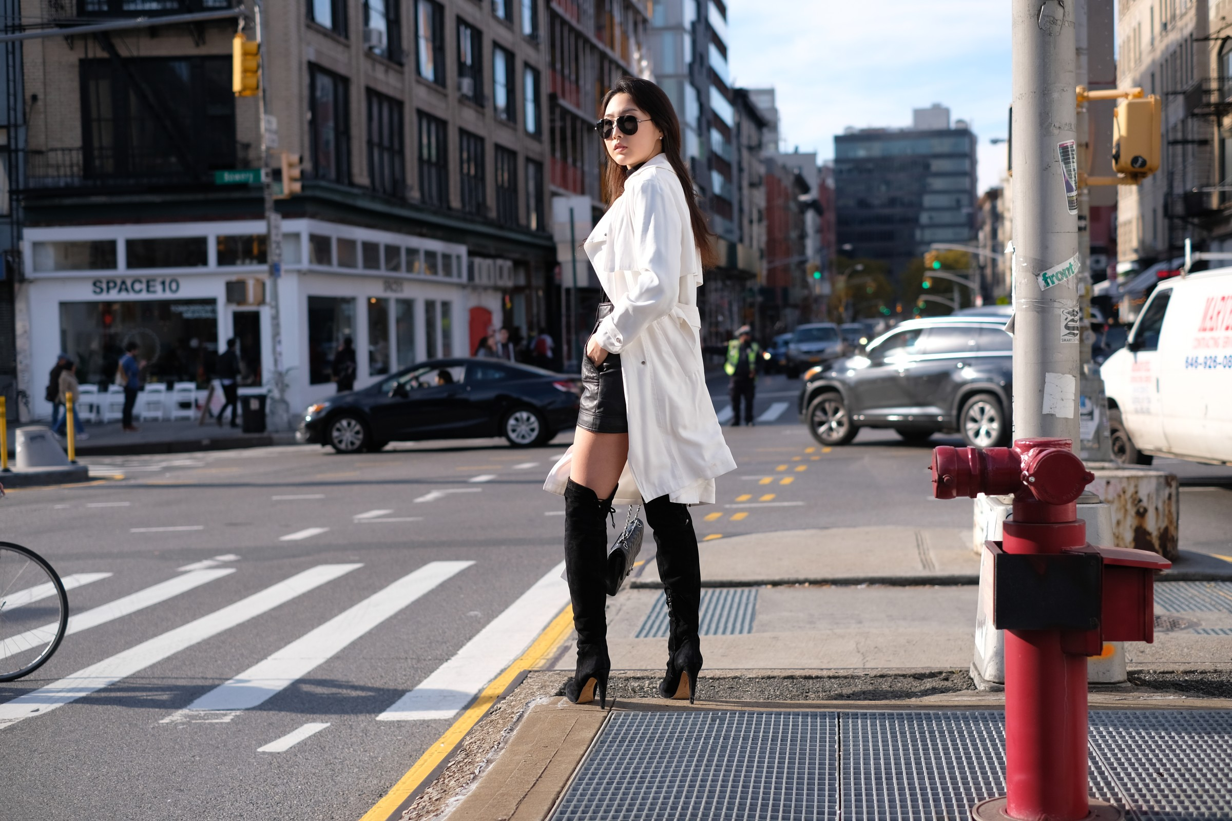 pretty Korean girl in black & white outfit