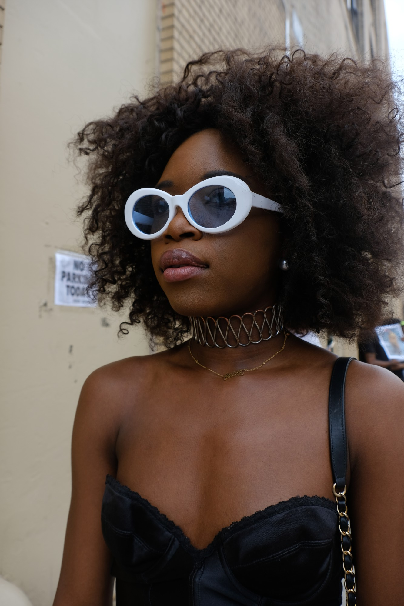 African American fashionista in sunglasses